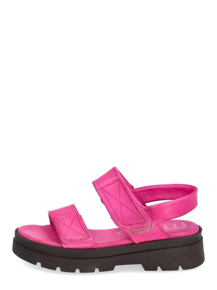 Platform sandals chic