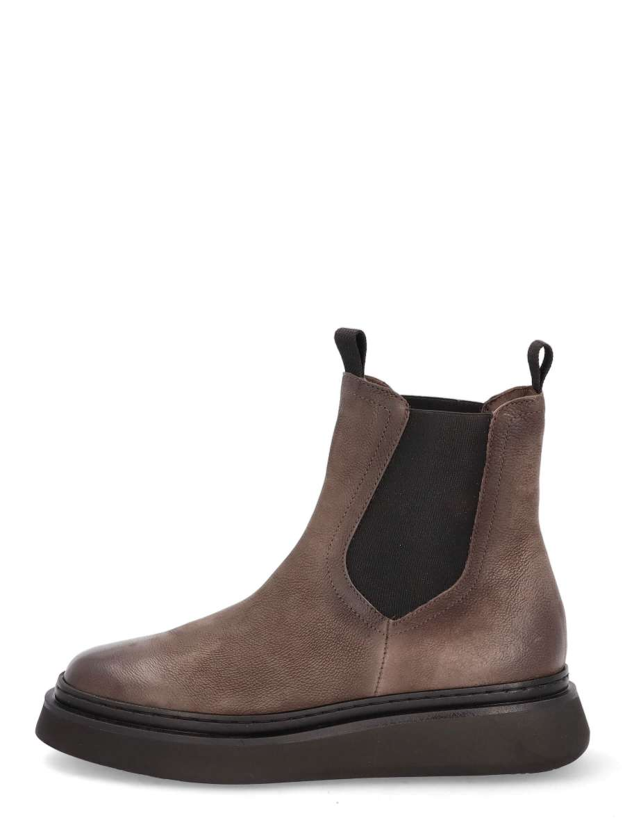 Chelsea Boots shadow