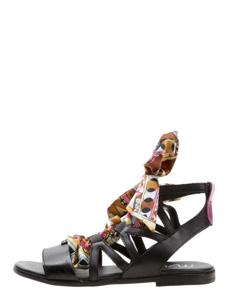 Strappy sandals nero
