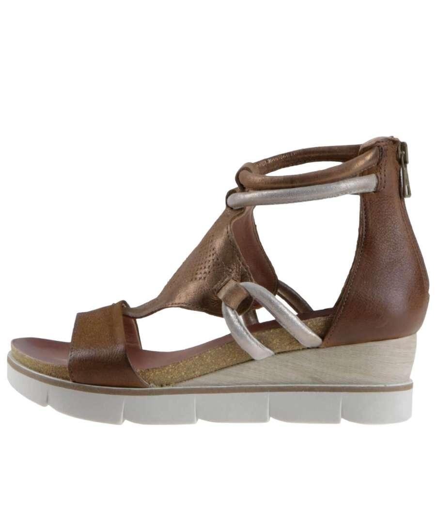 Wedge sandals brandy