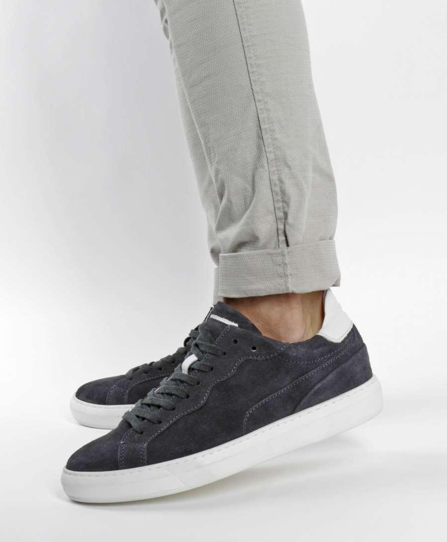 Sneaker space