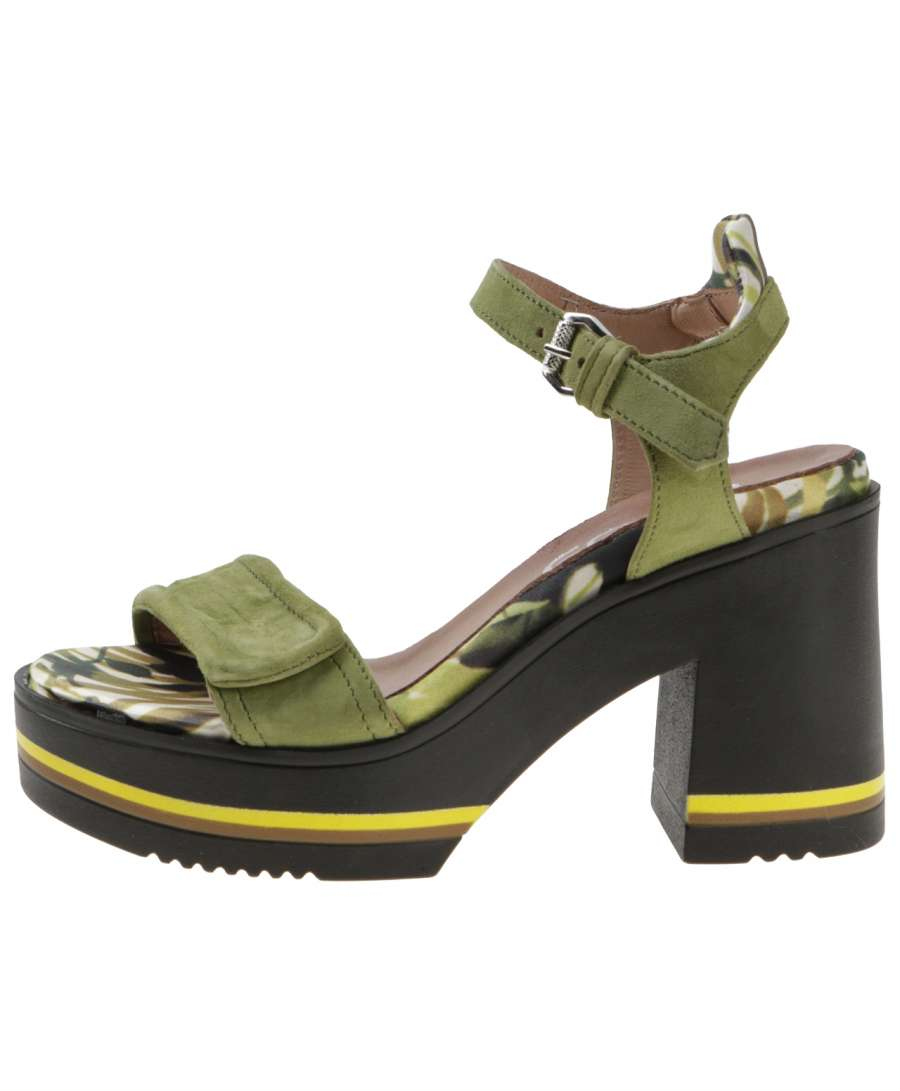 Strappy sandals cactus