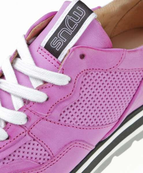 Sneaker fuxia