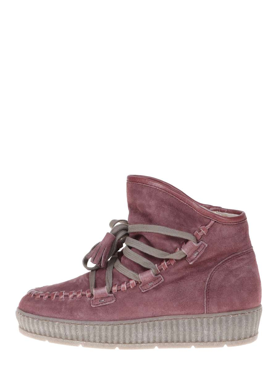 Boots plum