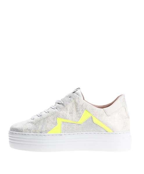 Women sneaker 686160