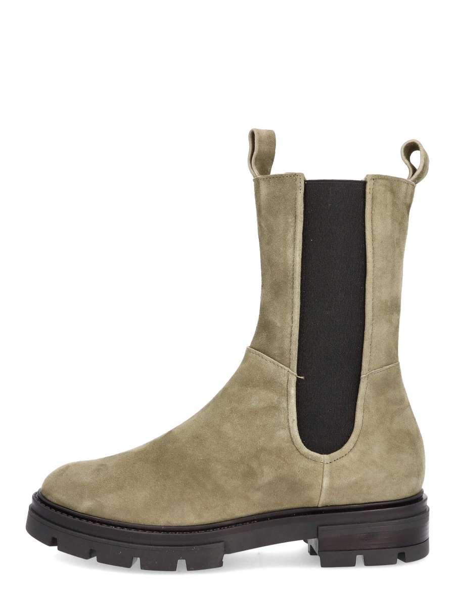 High top chelsea boots uniform