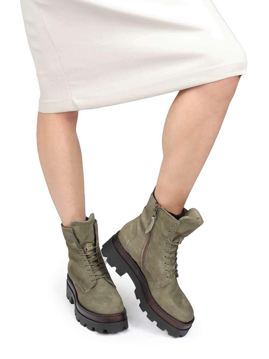 Combat Boots uniform