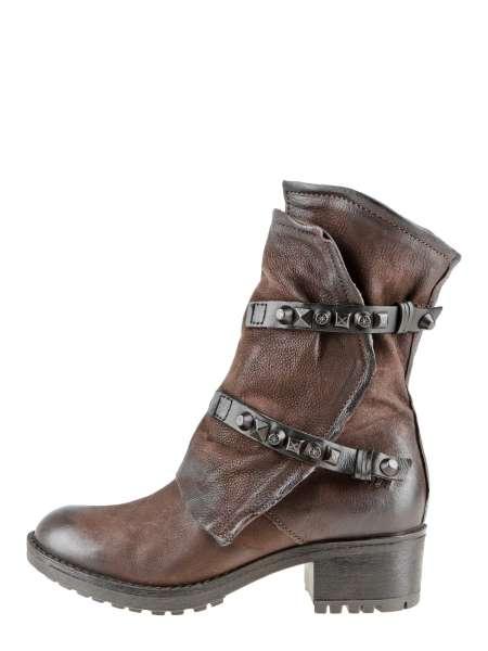 Studded boots moka