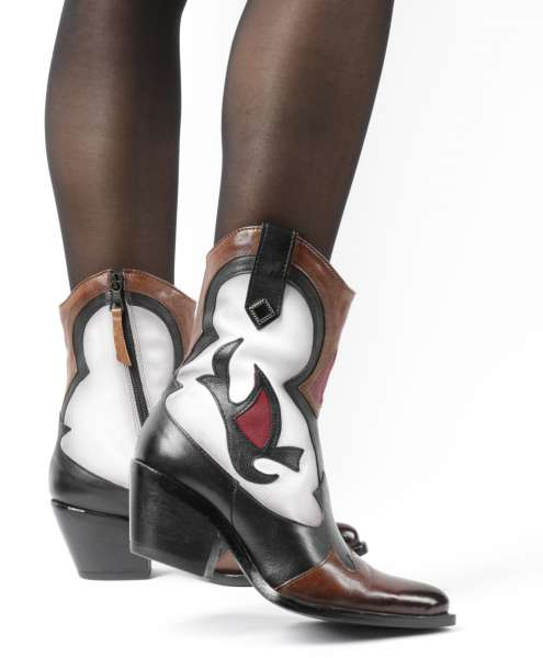 Cowgirl Boots brandy