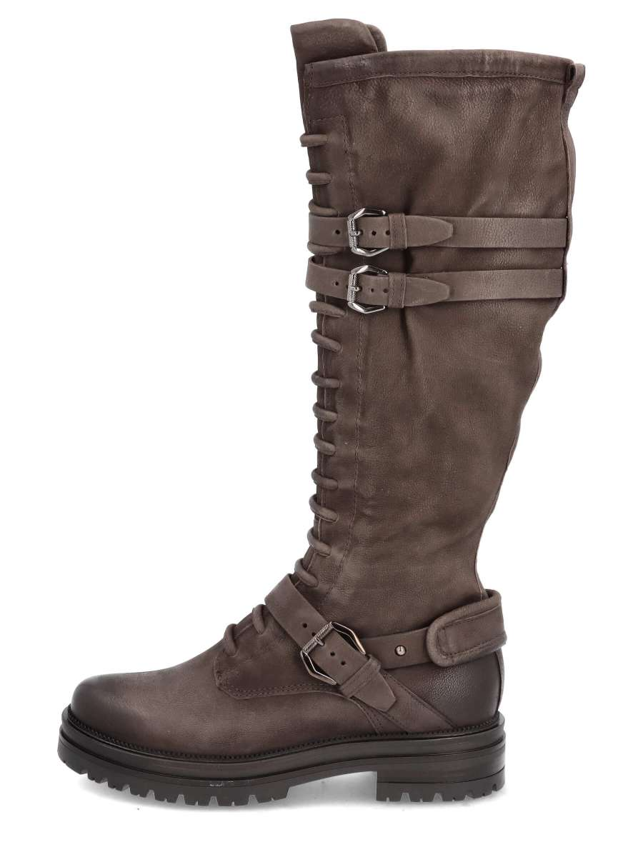 Laced boots shadow