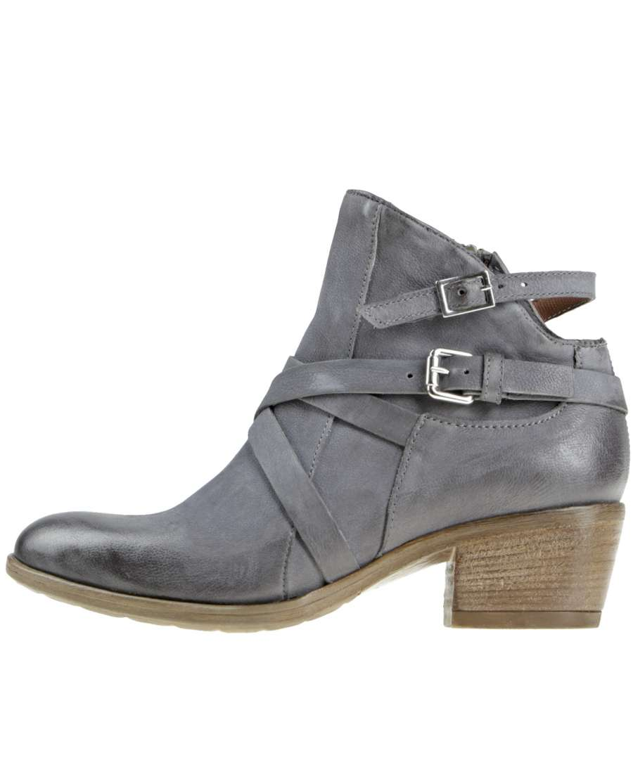 Ankle boots mouse