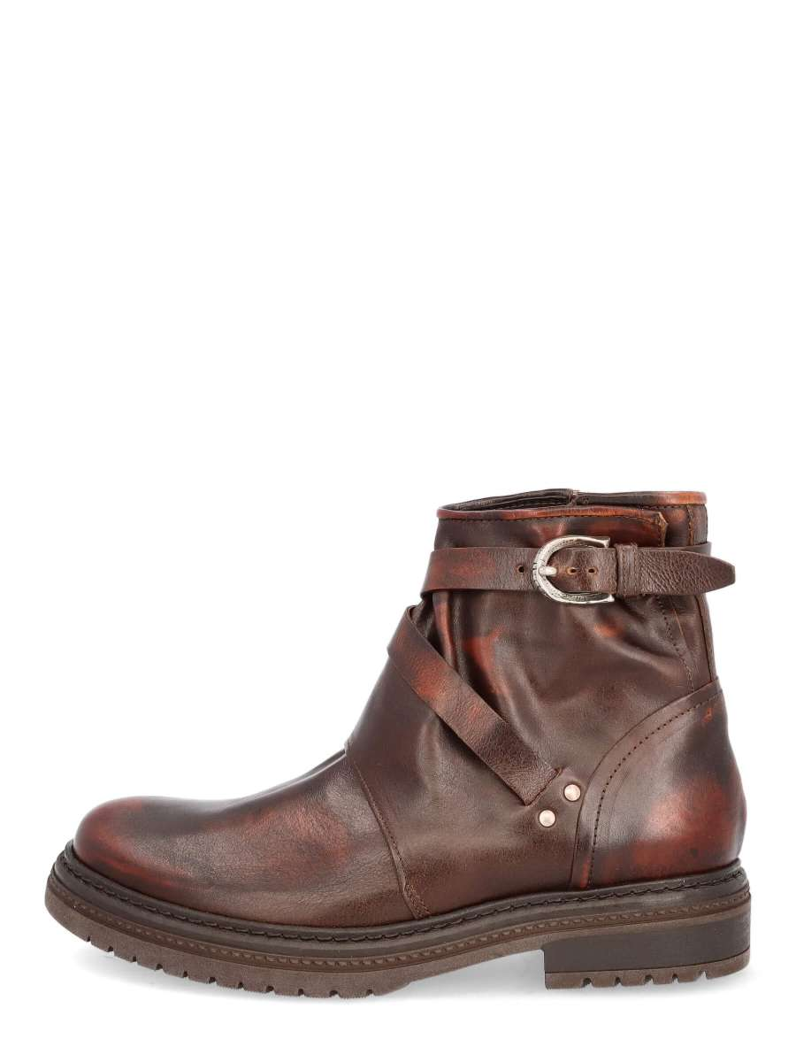 Boots copper