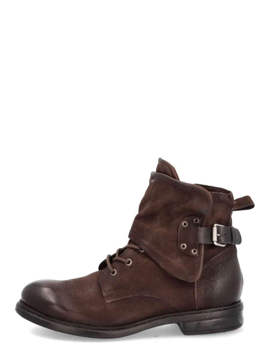Laced boots moka