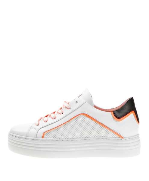 Women sneaker 686180